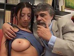 Grosse Tits, Boobs, Brünette, Niedlich