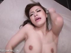 Asiatisch, Grosse Tits, Blowjob, Angespritzt