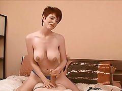 Büyük göğüsler, Kadin egemenligini, El İşçiliği, Kızıl saçlı